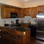 Fullly outfitted kitchen