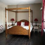 Deluxe Four Poster Bedroom