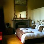 main bedroom - Manor Hall