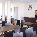 All Suites Appart Hôtel Pau - Salle de petit-déjeuner