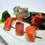 Sushi lunch platter with three maki, three nigiri, handroll and seaweed salad
