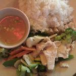Steamed chicken with fresh vegetables