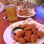 Boneless wings and a beer. Heaven.