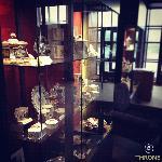 Throne_Exhibition