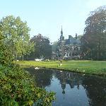 Het hotel, prachtig gelegen in een park met o.a. herten.
