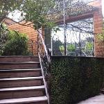 accès à la terrasse du petit déjeuner