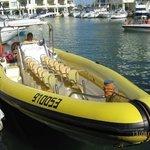 Tur Perahu Cepat