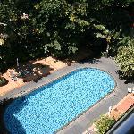 LE MERIDIEN pool