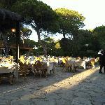 una sera a cena presto con ancora il sole