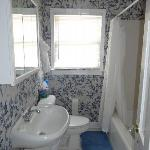 The nice bathroom in the cottage