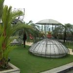 "Opportunity to ""chill"" in roof top garden area"