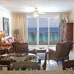 Twin Palms Livingroom
