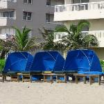 cabana's with lounge beds for rent
