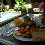 Breakfast at the poolside