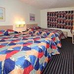Photo de Inn & Suites Spencer