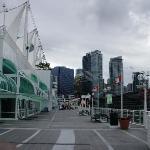 Vancouver Convention vista exterior hacia el muelle de cruceros