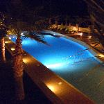 The vieu of the pool in the evening