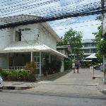 Photo de Puangpen Villa Hotel