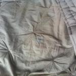 dreckiger Bettüberzug