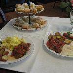 DeRosa B+B breakfast w Madelines