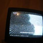 sin cable y un tv de 12mpulgadas o 5 la verdad ni podia ni ver de lo chikito q era