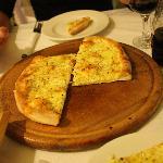 Ovenbaked garlic bread