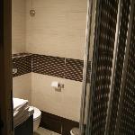 Salle de douche de l'appartement