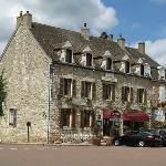 """Hôtel Restaurant """"Les Arts"""""""