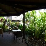 Poolside Restaurant and Bar