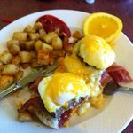 bacon cheeseburger benny