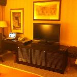 the flat screen tv is big enough! love it!