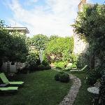 Le charmant jardin.