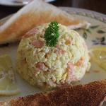 Colazione: uova strapazzate con salmone