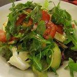 Mozarella salad with avocado