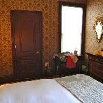 Room, side 1