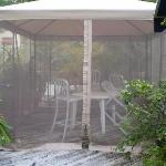 extra netting with chairs and table on the pation