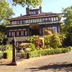 Beaconsfield Inn