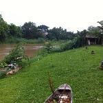 Le jardin, au bord de la rivière Ping