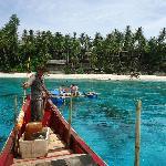 Der Blick vom Fischerboot auf das Resort