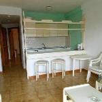 Salotto, cucina e penisola