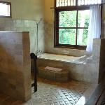 il bagno...comodo e spazioso!