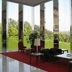 Oberoi Gurgaon Lobby