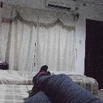 descansando en la habitación doble