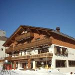 Photo of Hotel Alpenburg