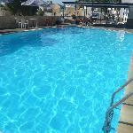 une petite vue de la piscine