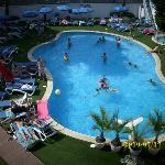 Der Pool vom Hotel Balkon unserer Freunde im anderen Zimmer Fotograpfiert