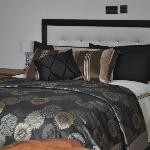 Venetian Room - Bed Area