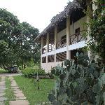 L'ingresso con le camere al piano superiore