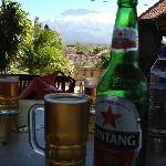 Bintang with Mount Agung...relax~~!