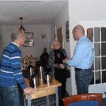 Rob & Loet de harde werkers in de eetkamer